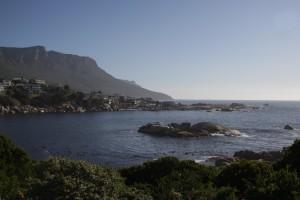 Baaitje in Camps Bay, Cape Town met links een uitloper van de Tafelberg.